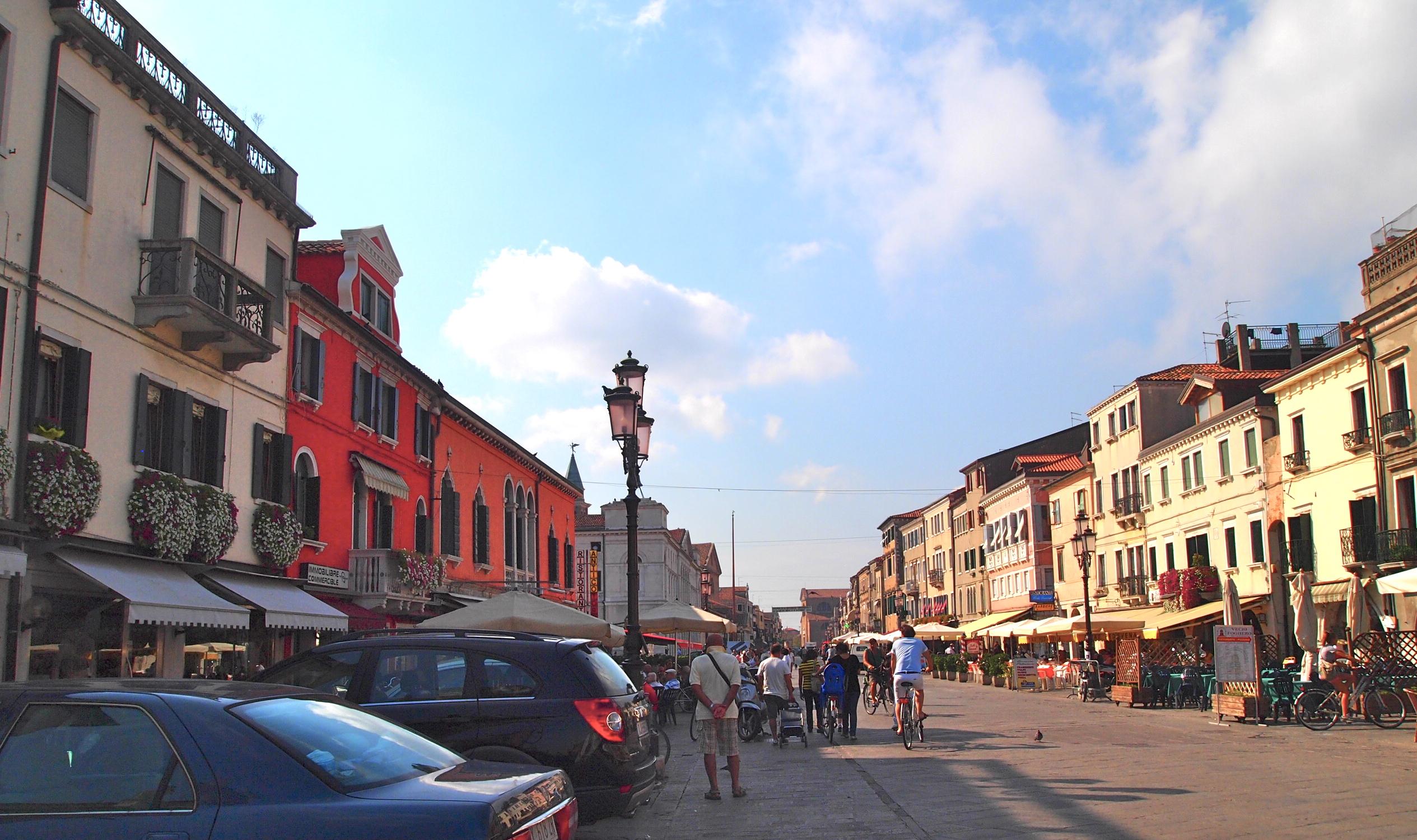 """main street """"Corso del Popolo"""""""