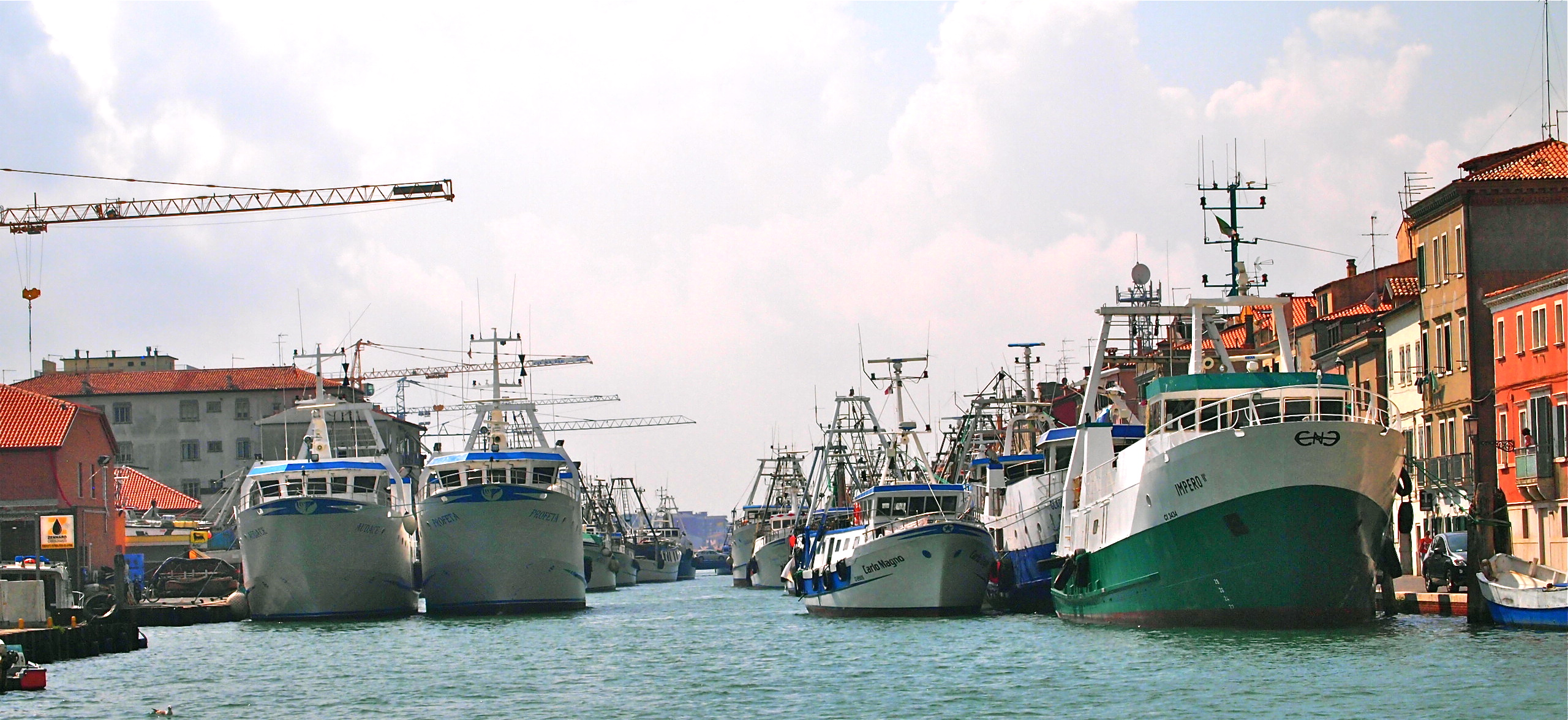 Big and small fishing boats
