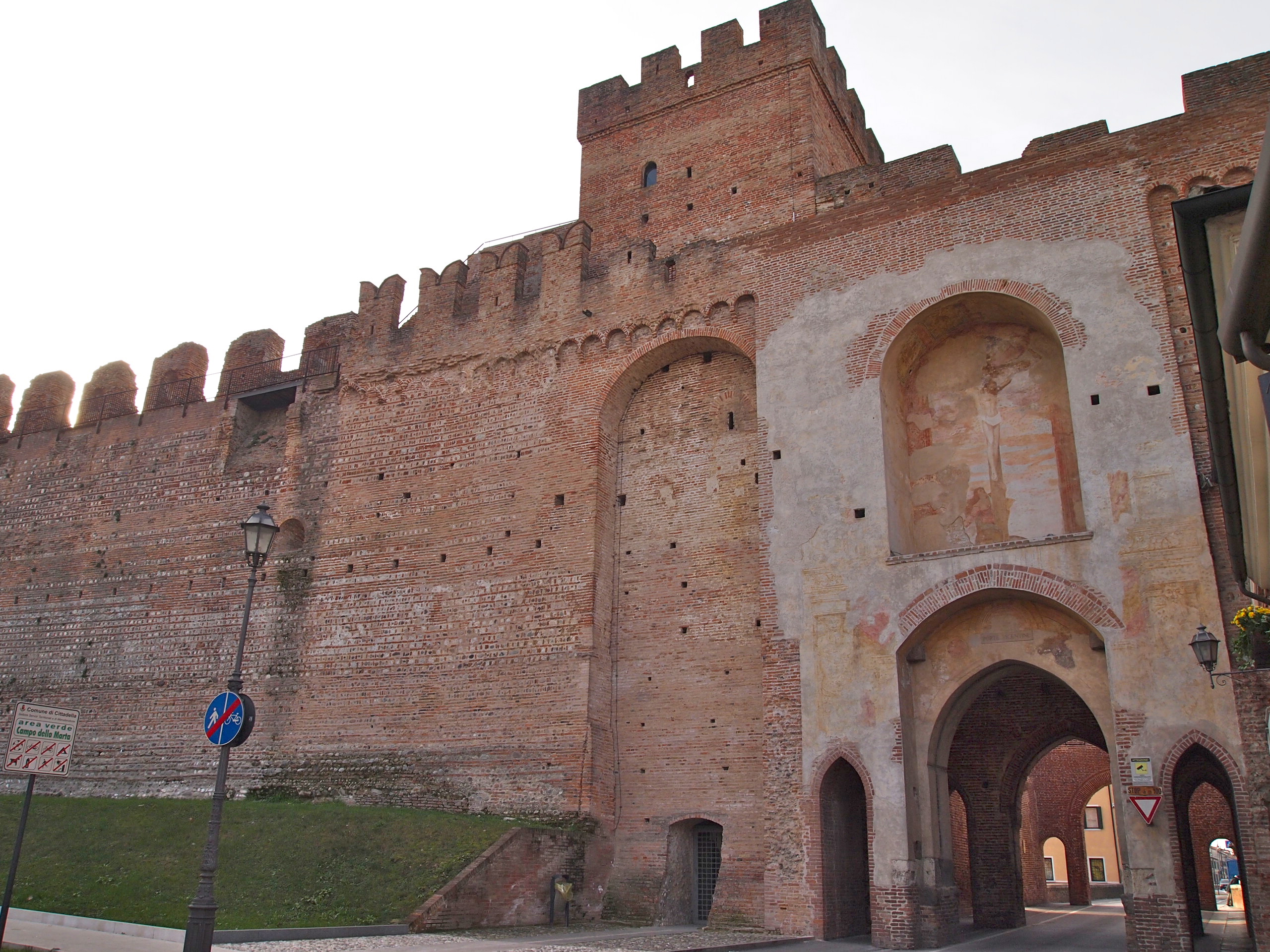 entrance to cittadella